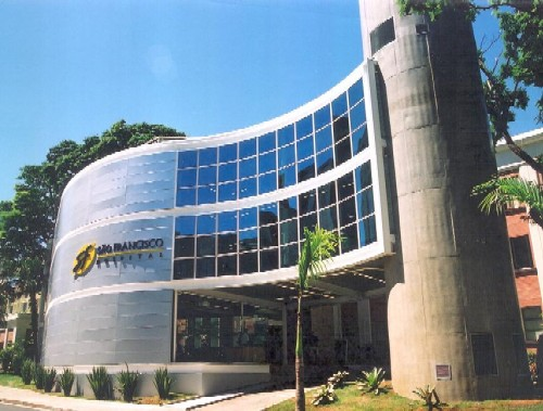 20120723-225906-fachada_hsf